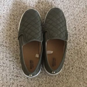Mossimo women's slip on shoes